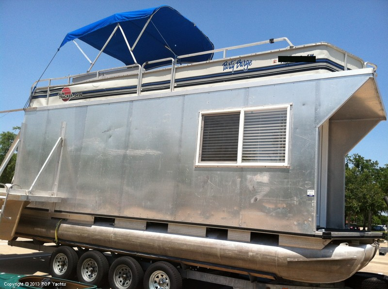 1992 Tracker Boats boat for sale, model of the boat is 24 Custom Houseboat & Image # 25 of 40