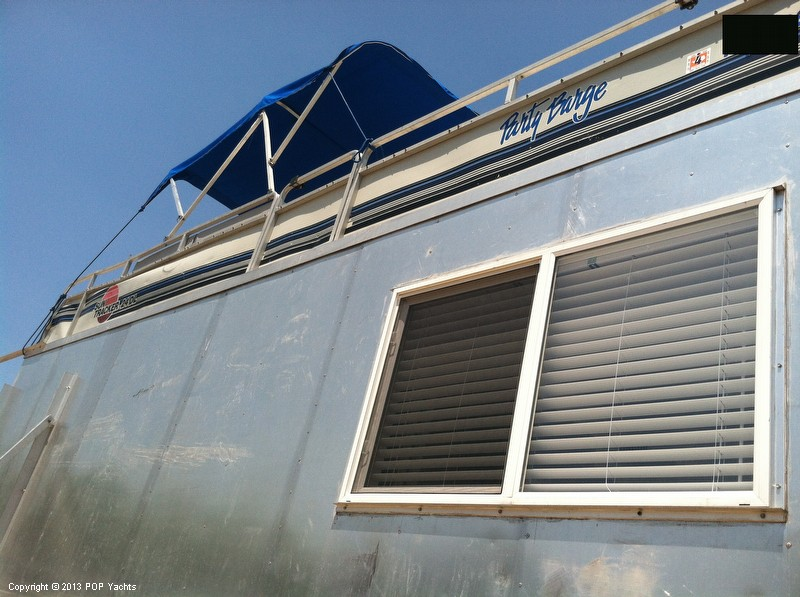 1992 Tracker Boats boat for sale, model of the boat is 24 Custom Houseboat & Image # 29 of 40