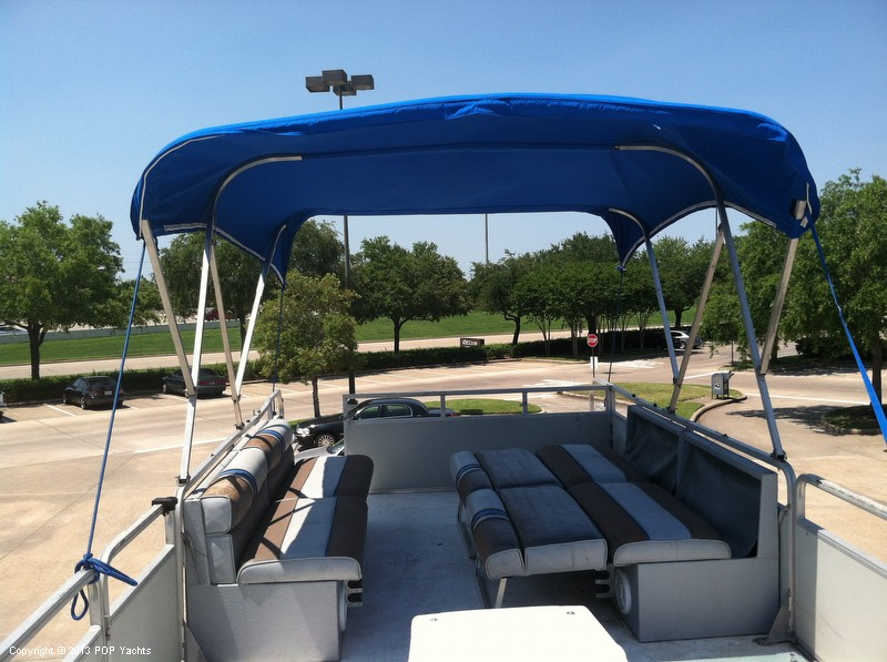 1992 Tracker Boats boat for sale, model of the boat is 24 Custom Houseboat & Image # 4 of 40