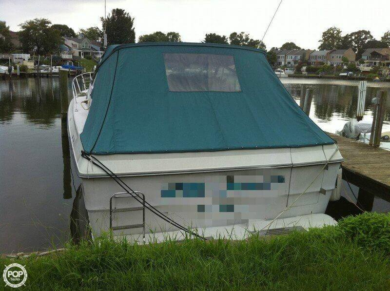 1986 Sea Ray 390 Express Cruiser - Photo #2