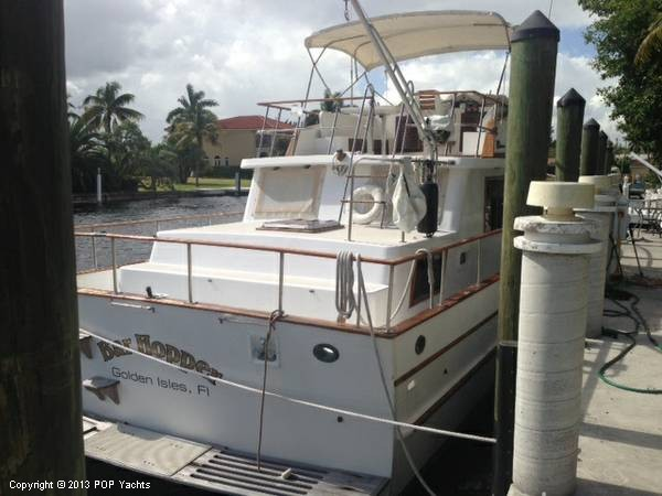1981 Present Yachts 41 Trunk Trawler - Photo #3
