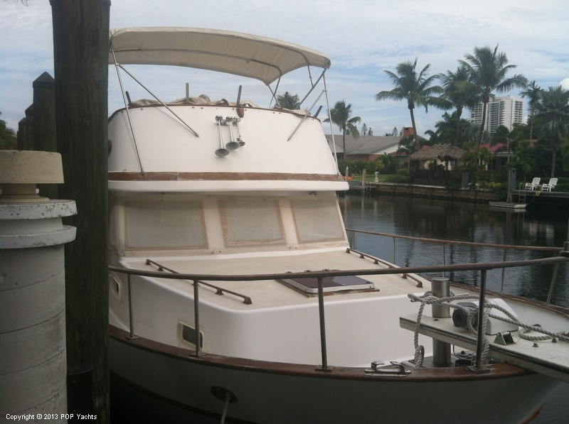 1981 Present Yachts 41 Trunk Trawler - Photo #5