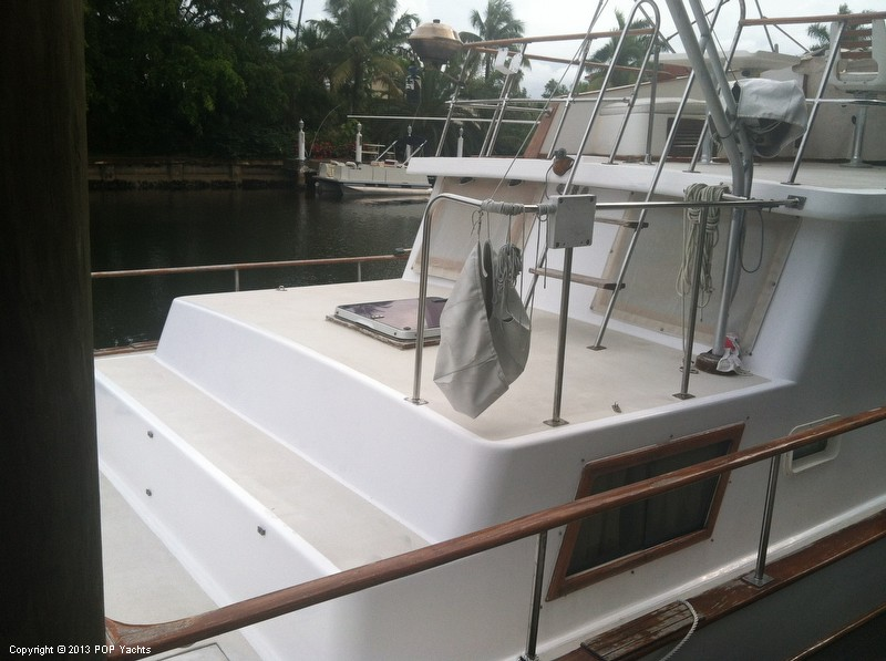 1981 Present Yachts 41 Trunk Trawler - Photo #11