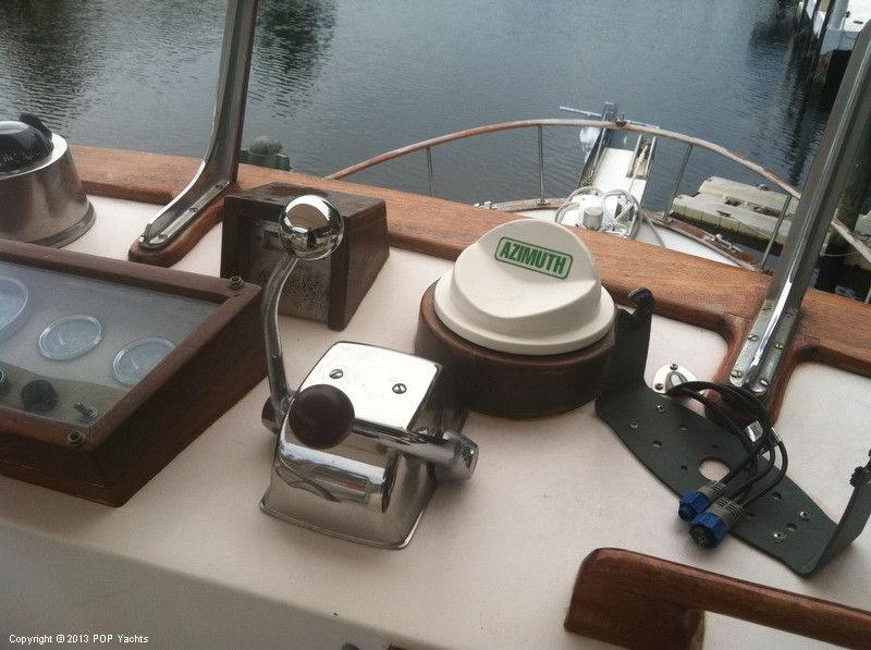 1981 Present Yachts 41 Trunk Trawler - Photo #18
