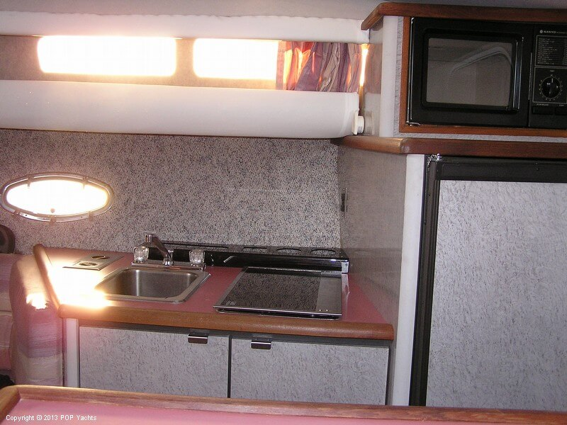 1987 Bayliner 3205 Avanti - Photo #13