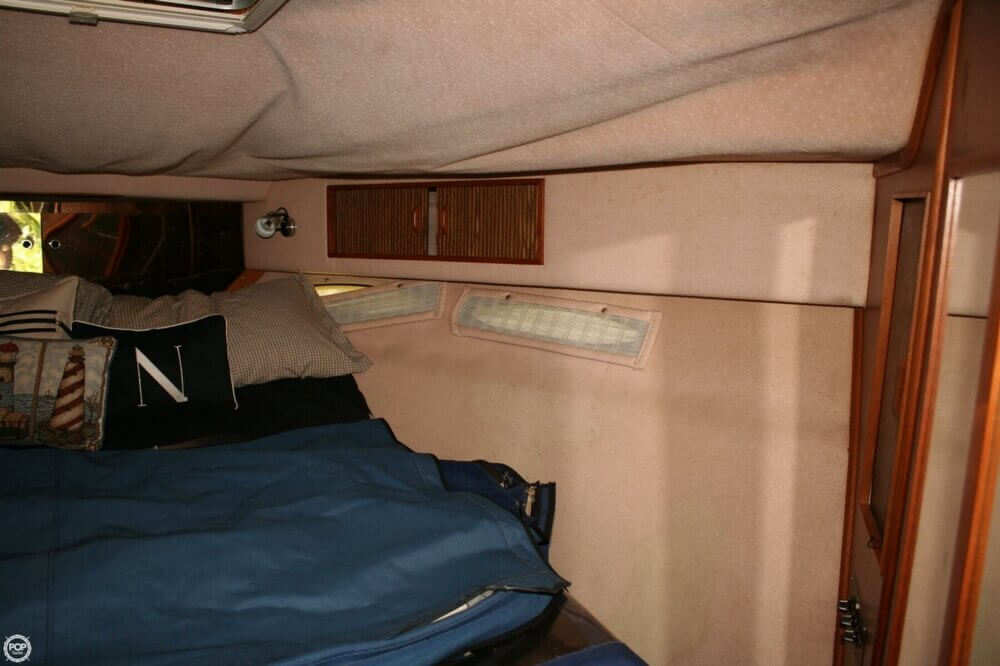 1987 Sea Ray boat for sale, model of the boat is 390 & Image # 5 of 40