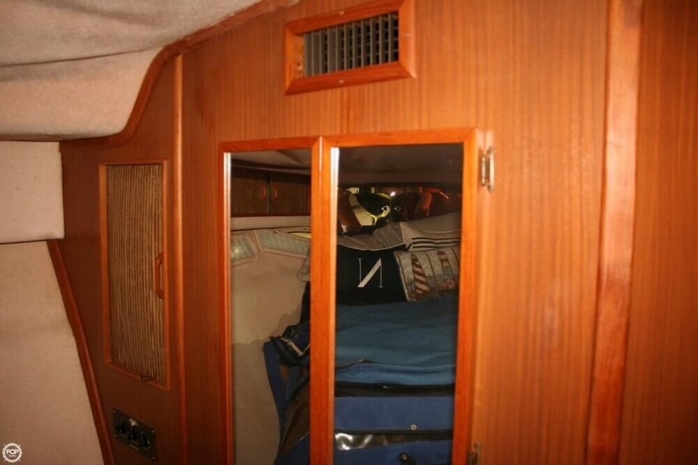 1987 Sea Ray boat for sale, model of the boat is 390 & Image # 8 of 40