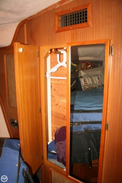 1987 Sea Ray boat for sale, model of the boat is 390 & Image # 9 of 40