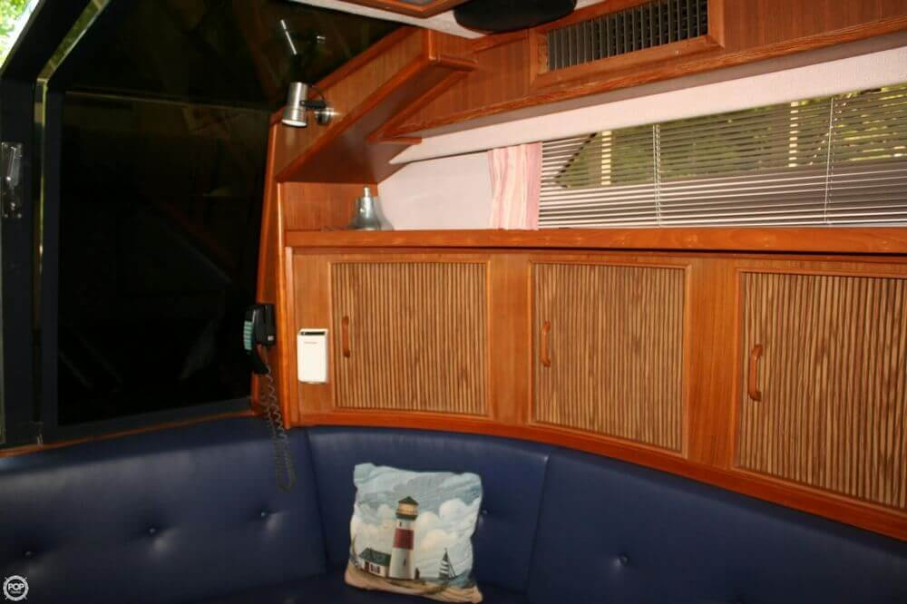 1987 Sea Ray boat for sale, model of the boat is 390 & Image # 15 of 40