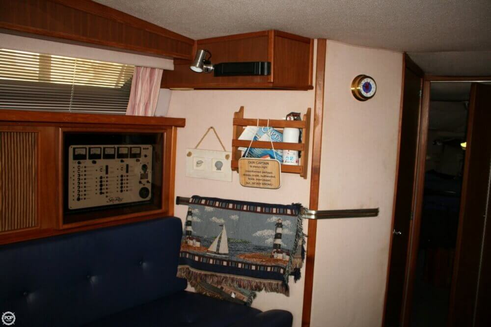 1987 Sea Ray boat for sale, model of the boat is 390 & Image # 16 of 40