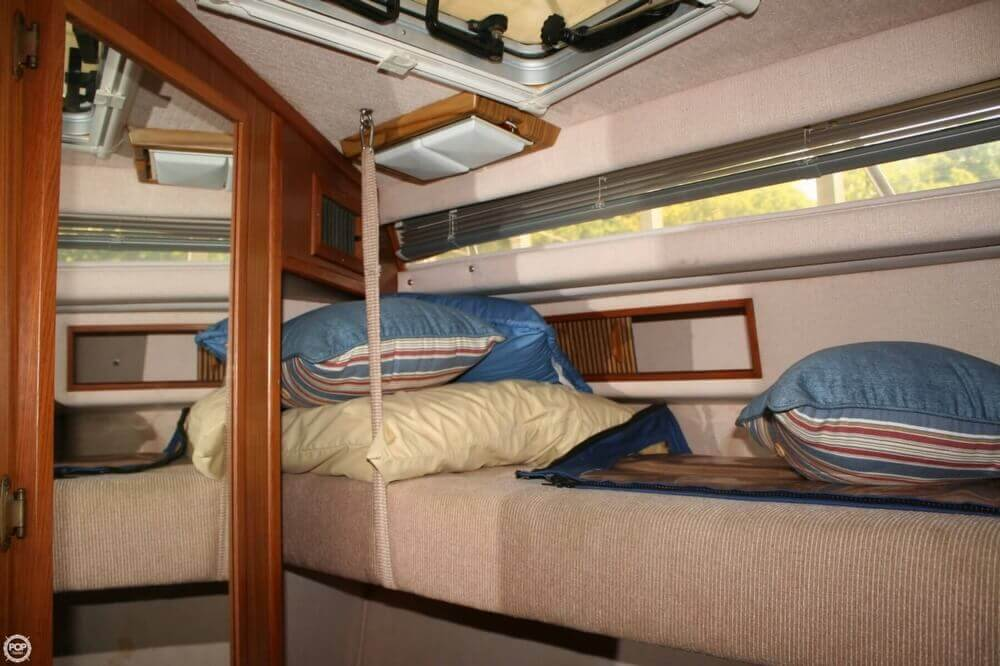 1987 Sea Ray boat for sale, model of the boat is 390 & Image # 18 of 40