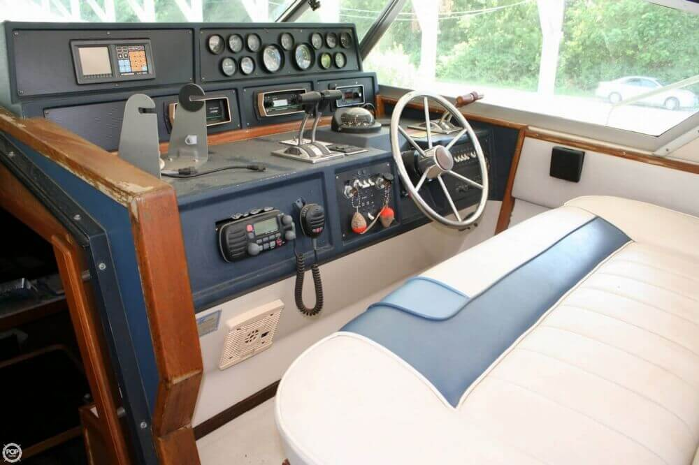 1987 Sea Ray boat for sale, model of the boat is 390 & Image # 29 of 40