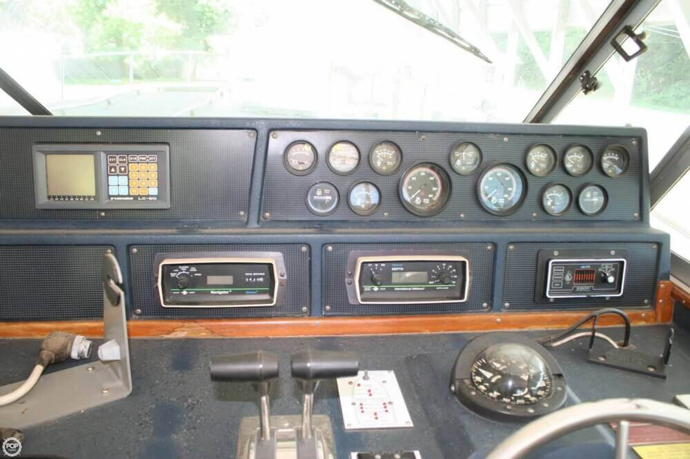 1987 Sea Ray boat for sale, model of the boat is 390 & Image # 30 of 40