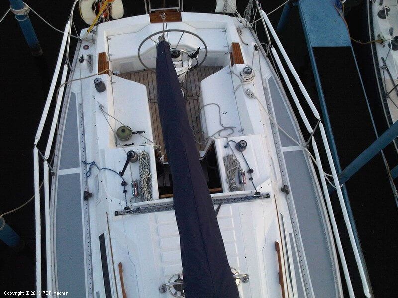 1986 Hunter boat for sale, model of the boat is 31 & Image # 7 of 20