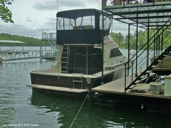 1982 Trojan 33 International Flybridge Sportfish - Photo #5