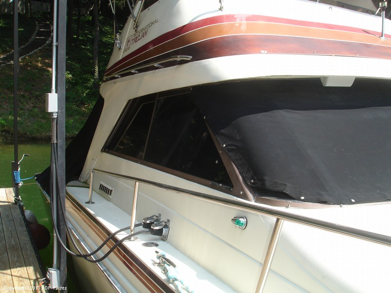 1982 Trojan 33 International Flybridge Sportfish - Photo #14