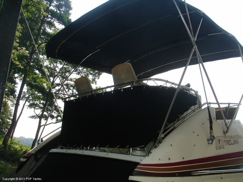 1982 Trojan 33 International Flybridge Sportfish - Photo #19
