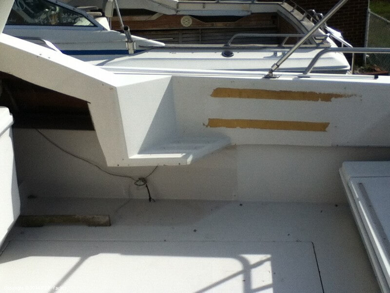 1988 Wellcraft boat for sale, model of the boat is 3200 St Tropez & Image # 11 of 40