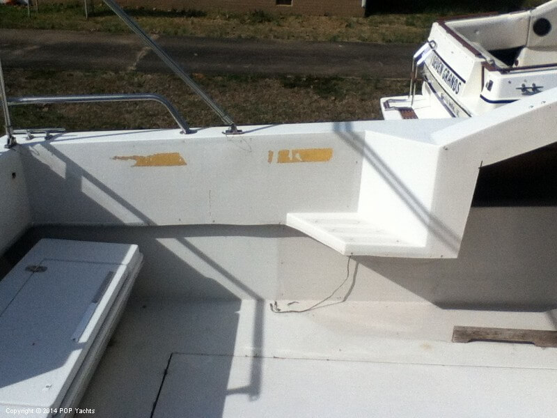 1988 Wellcraft boat for sale, model of the boat is 3200 St Tropez & Image # 12 of 40