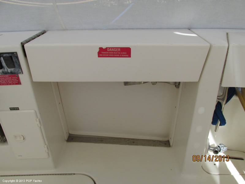 1997 Sea Ray 370 Express Cruiser - Photo #17