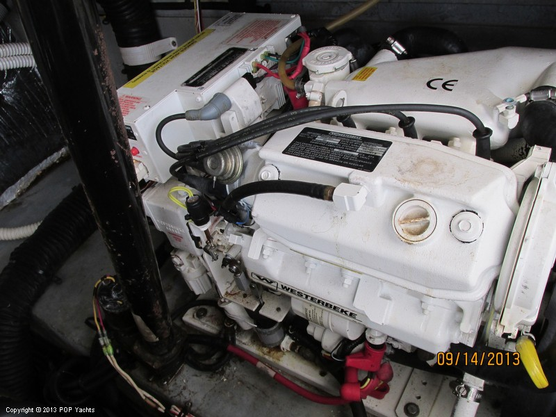 1997 Sea Ray 370 Express Cruiser - Photo #29