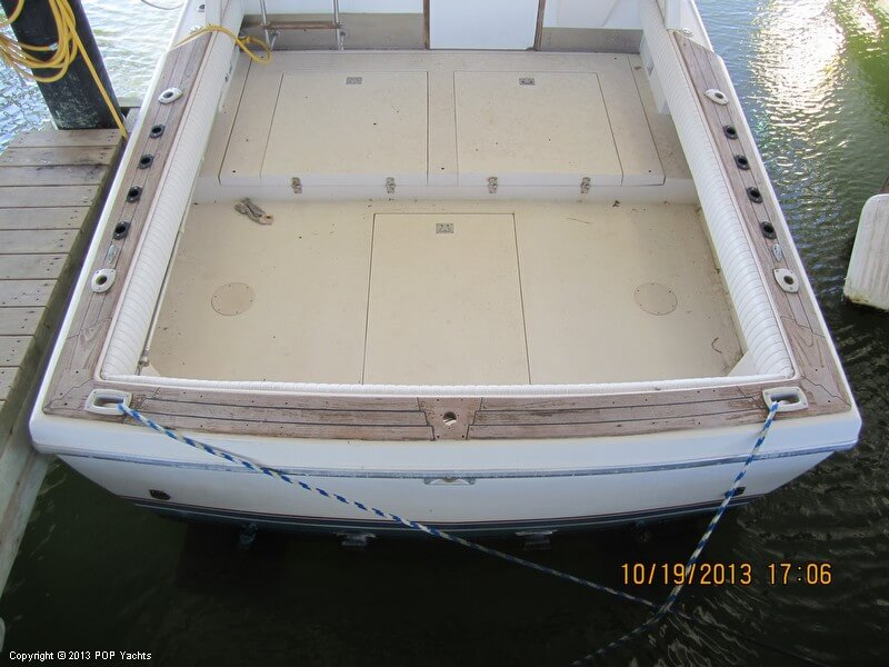 1986 Phoenix 29 Flybridge - Photo #15