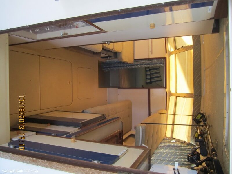 1986 Phoenix 29 Flybridge - Photo #30