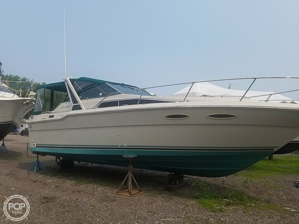 1988 Sea Ray boat for sale, model of the boat is 300 Weekender & Image # 3 of 40