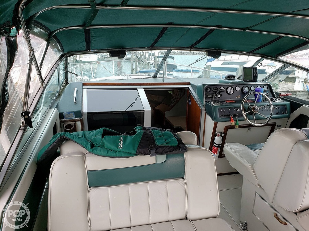 1988 Sea Ray boat for sale, model of the boat is 300 Weekender & Image # 32 of 40