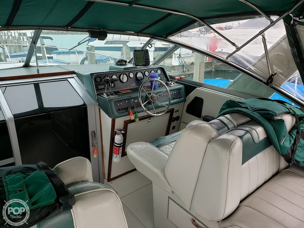 1988 Sea Ray boat for sale, model of the boat is 300 Weekender & Image # 34 of 40