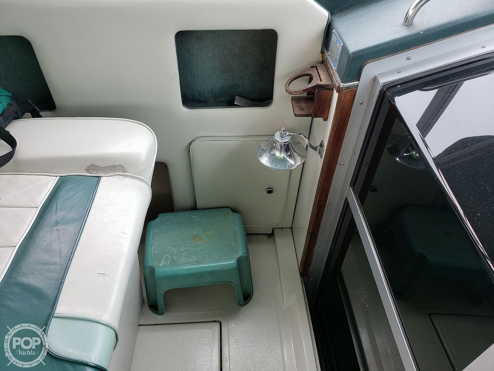 1988 Sea Ray boat for sale, model of the boat is 300 Weekender & Image # 39 of 40