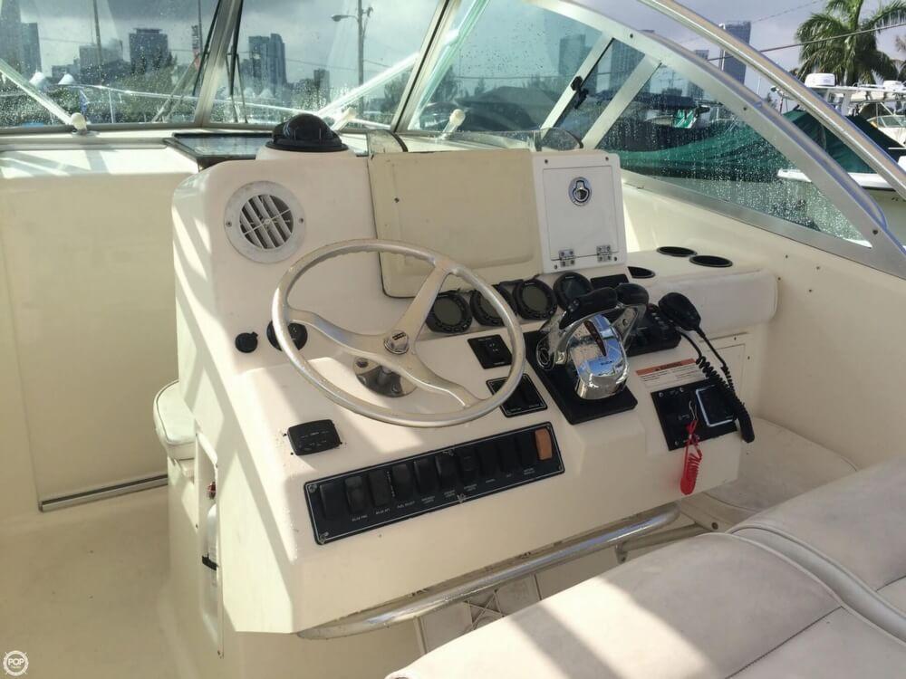 2003 Pursuit boat for sale, model of the boat is 3070 Express & Image # 36 of 40
