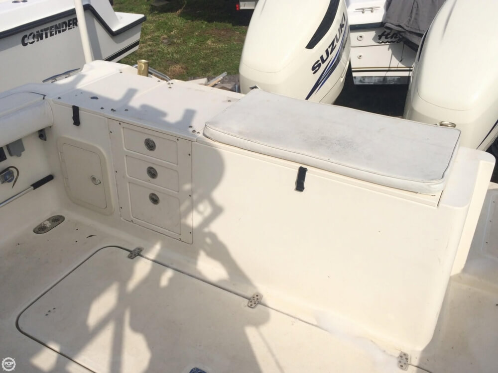 2003 Pursuit boat for sale, model of the boat is 3070 Express & Image # 38 of 40