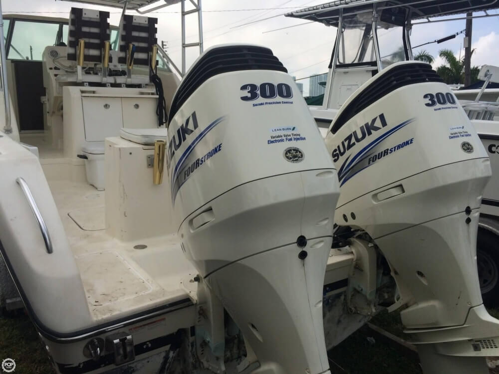 2003 Pursuit boat for sale, model of the boat is 3070 Express & Image # 8 of 40