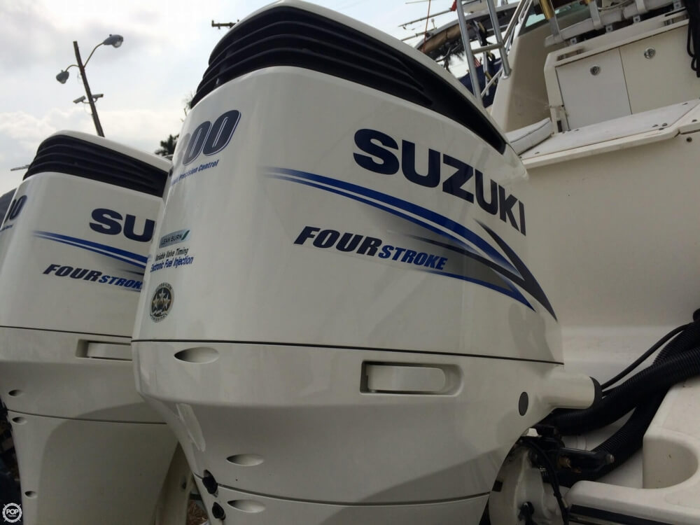 2003 Pursuit boat for sale, model of the boat is 3070 Express & Image # 15 of 40