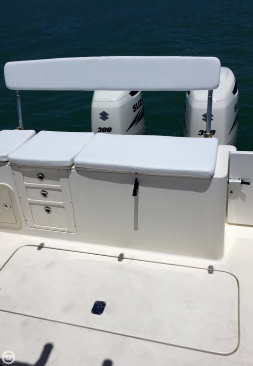 2003 Pursuit boat for sale, model of the boat is 3070 Express & Image # 18 of 40