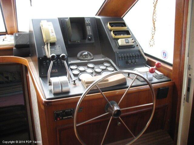 1990 Ocean Yachts 48 Motoryacht - Photo #3