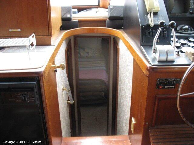 1990 Ocean Yachts 48 Motoryacht - Photo #9