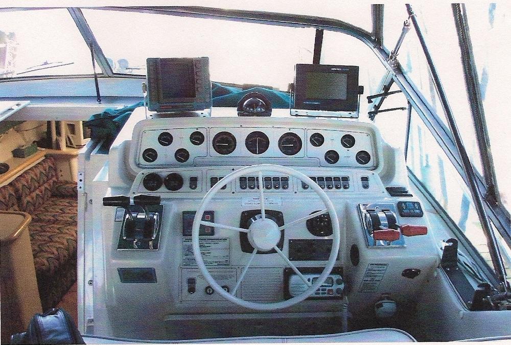 1991 Wellcraft 3400 Sport - Photo #10