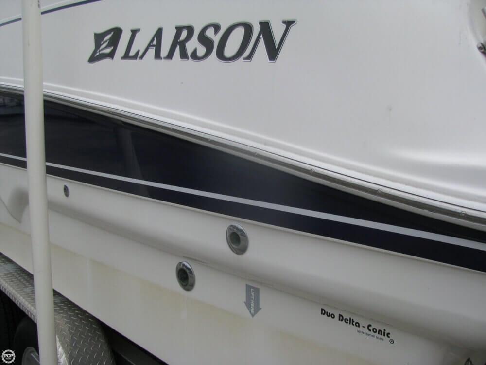 2006 Larson 274 Cabrio Mid-Cabin - Photo #25