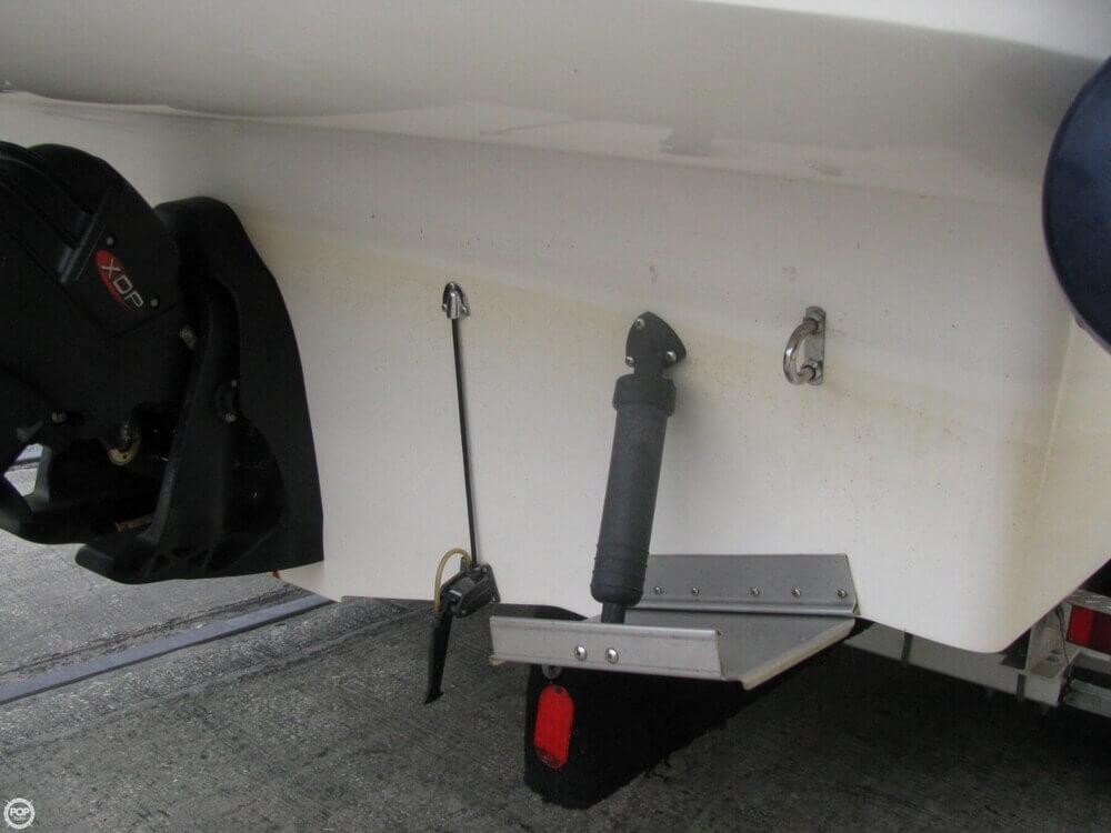 2006 Larson 274 Cabrio Mid-Cabin - Photo #29