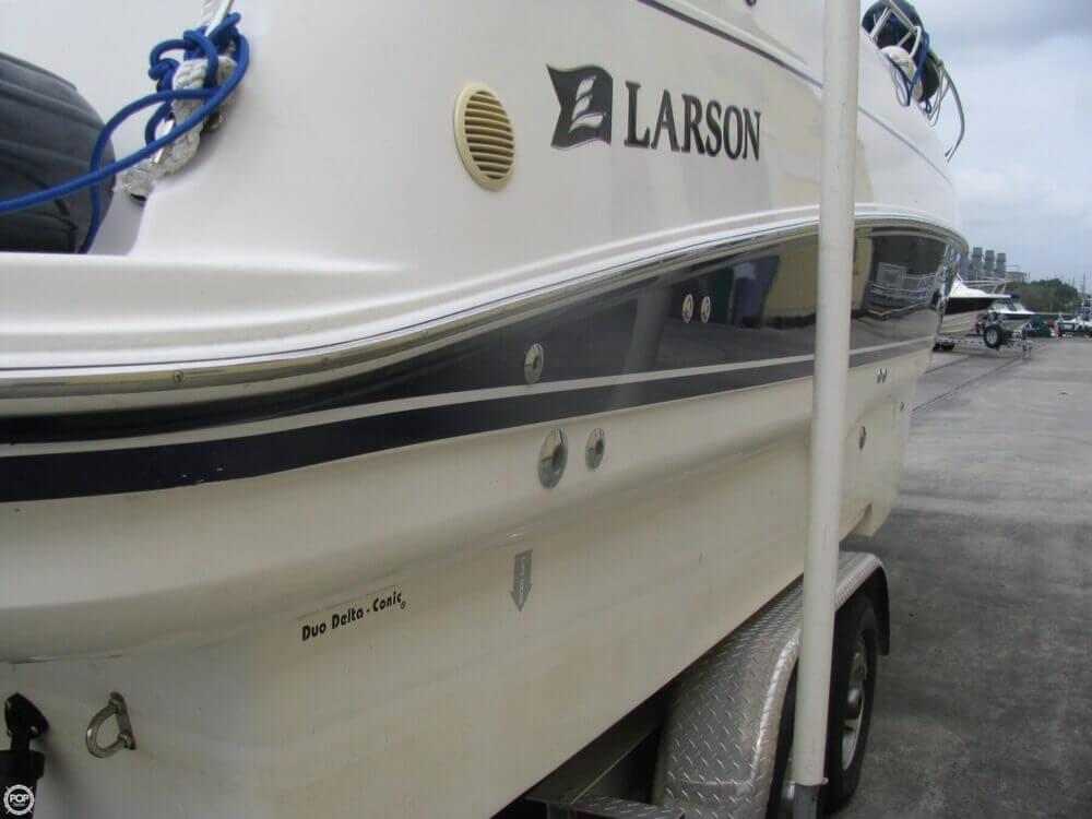 2006 Larson 274 Cabrio Mid-Cabin - Photo #32
