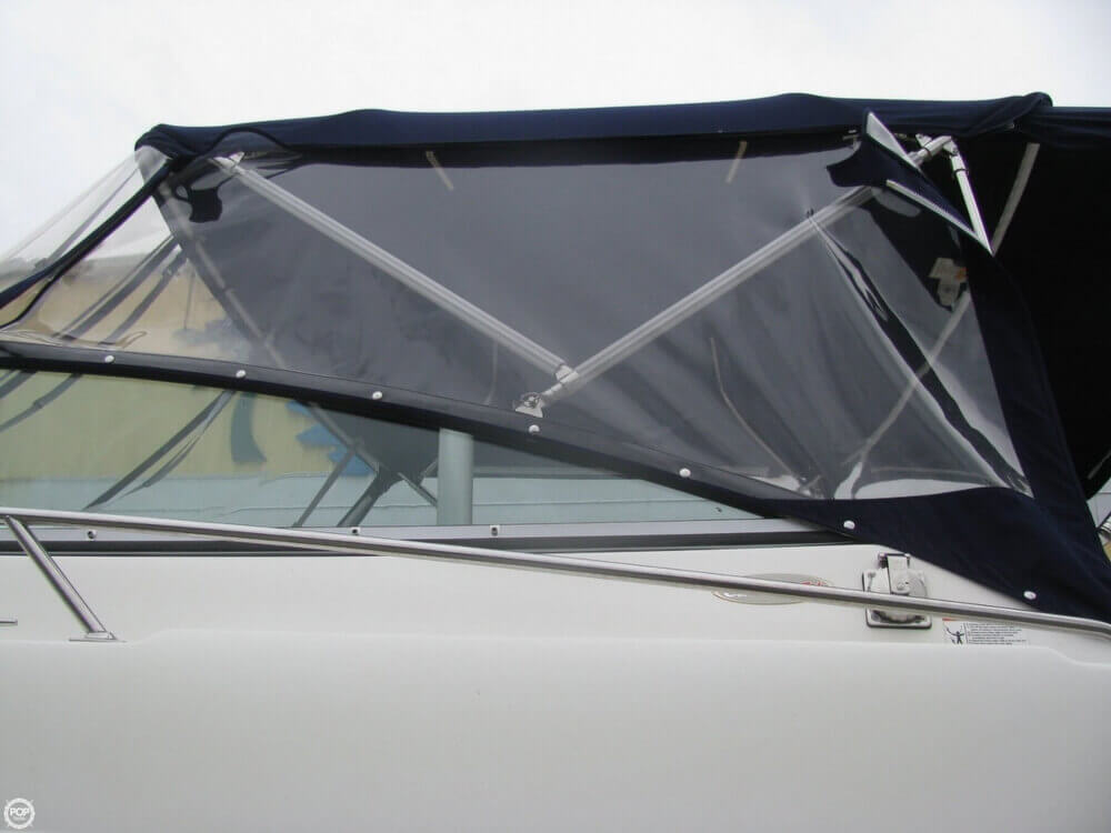 2006 Larson 274 Cabrio Mid-Cabin - Photo #37