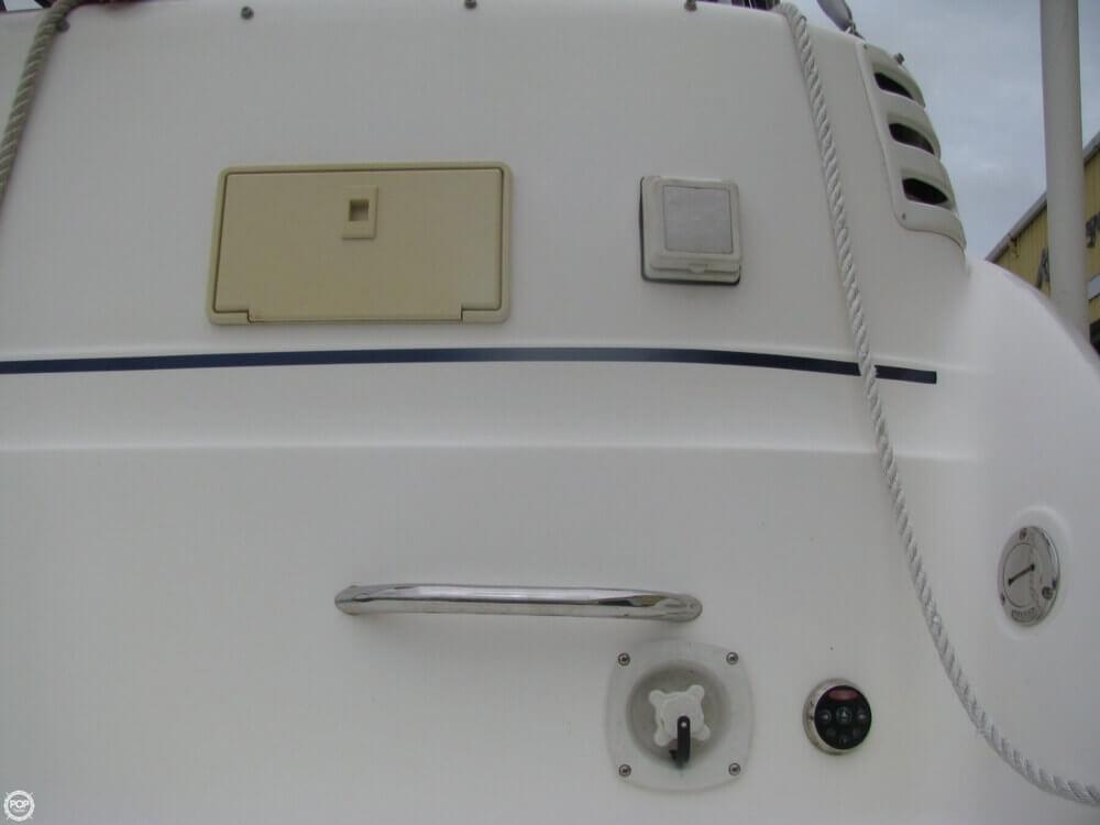 2006 Larson 274 Cabrio Mid-Cabin - Photo #38