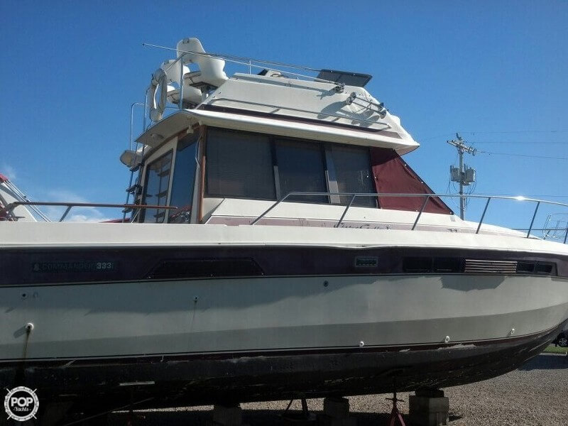 1279502L?2 sold chris craft 333 commander in port clinton, oh pop yachts Chris Craft Marine Engines at gsmx.co