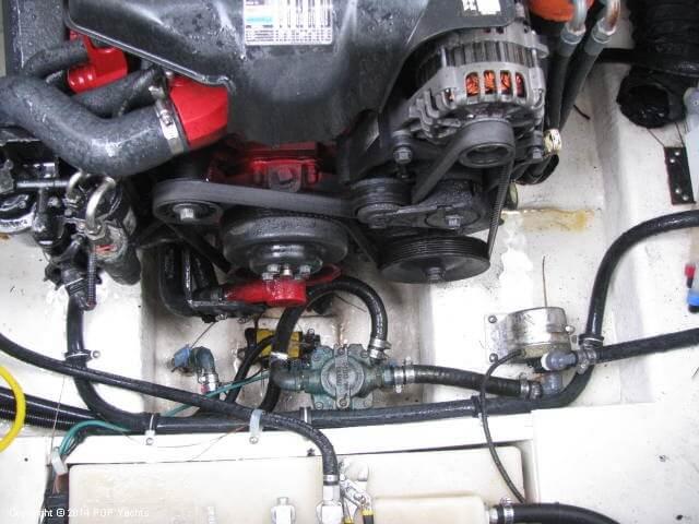 2006 Larson 240 Cabrio - Photo #10