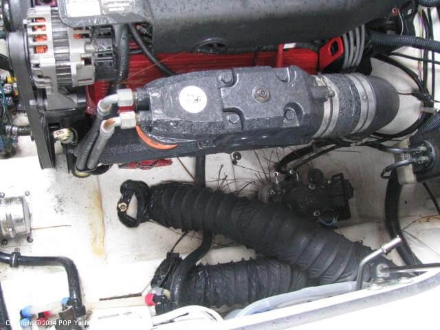 2006 Larson 240 Cabrio - Photo #12