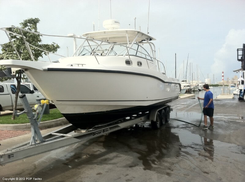 Boston Whaler 305 Conquest, 30', for sale - $111,000
