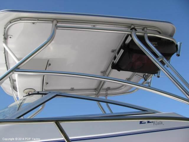 2004 Pro-Line boat for sale, model of the boat is 22 Walkaround & Image # 21 of 40