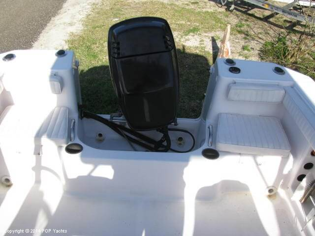 2004 Pro-Line boat for sale, model of the boat is 22 Walkaround & Image # 30 of 40